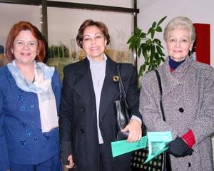 Patricia Torre de Villarreal, Carmen Villarreal de Chávez y Concepción Ávila de Chávez.