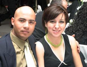 Vladimir Mercvado y Laura Peña de Mercado, en reciente festejo de boda.