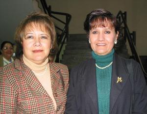 Lupita de Pereyra y Ana Liz de Rivera.