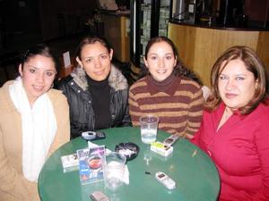 Cristina Izquierda, Brenda Mijares, Vero Rodríguez y Leslie Dipp.