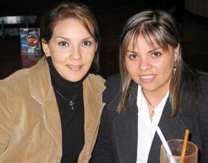 Elena Faudoa y Vero Martínez.