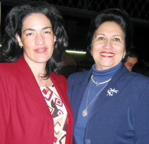 Emma Leticia Casavantes e Ivonne de la Torre Casavantes.