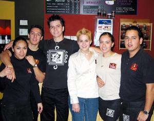 Giuliana Marín, Óscar Arguijo, Luis Barajas, Laura Romo, Anny Carrillo y Gabriel Ortiz.