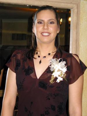 Martha Candelas Ramírez fue despedida de su soltería por su próxima boda con Salvador Valenzuela.
