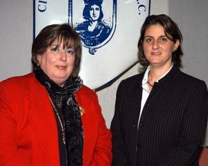 <u> 19 de enero </u> <p> María de la Luz Cossío de Noyola y María del Carmen Calleja de Sesma presidenta saliente y entrante respectivamente del Club Isabel la Católica.