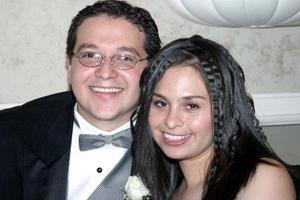 <u> 20 de enero </u> <p>  Vidal Iruegas y Cecilia de Iruegas en la recepción de boda de la pareja Zepeda Iruegas.