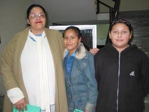 Eva Ivonne Macías García, Penélope y Cindy Vargas Macías.