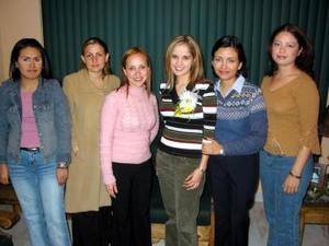 Verónica Tostado Viesca enc ompañía de sus amigas Claudia Lechuga, Martha Monsiváis, Alicia de Soto, Karina Acosta y Estela Portillo.
