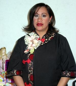 Señora Myrna de Ramírez Sosa recibió sinceras felicitaciones en la fiesta de canastilla que se le ofreció.
