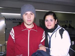 <u> 21  de enero </u> <p>  Miguel Ángel Arce y Natalia Sánchez viajó a la Ciudad de México en plan de paseo.