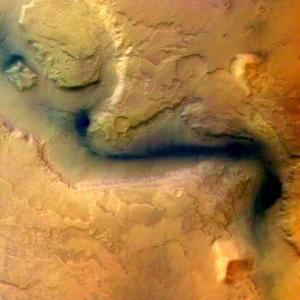 Las imágenes son de una calidad sorprendente, dijo el director científico de la ESA, David Southwood, y subrayó sorprendente porque la Mars Express no alcanzará su posición definitiva en la órbita de Marte hasta el 28 de enero y en consecuencia hablamos de primerísimos resultados de una investigación científica que comienza.