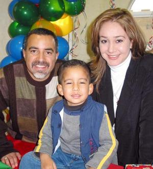 <u> 23 de enero </u> <p>  Nicolás Amado Llanos Navarro acompañado de sus papás los señores Daniel Llanos Medal y Cristina Navarro de Llanos en su fiesta de cumpleaños