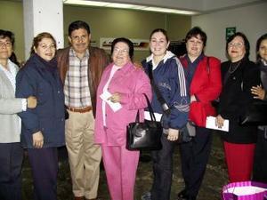 <u> 24  de enero</u> <p> Lory Pi, Malena Chata y Dulce Padilla retornaron a la ciudad de Tijuana; las despidió la familia Hernández Padilla.