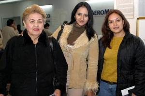 <u> 26  de enero</u> <p> Lilia Tovalín, Shantal Valdéz e Irma Requenes viajaron a Orlando, Florida.