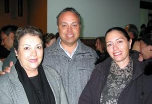 Blanca Lyvia Galán, Óscar Conte y Rossana Conte.