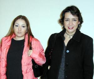 Claudia Hiriart y Olalla Romo.