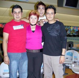 Miguel García, Nancy López, Félix Martínez y Lalo Benitos.