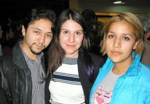 Manuel Morales, Edna Mendoza y Azucena Muñoz.