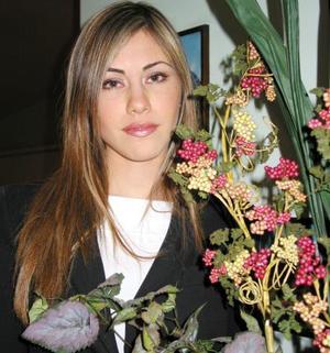 Ana Máynez en la despedida de soltera que se le ofreció por su próximo enlace nupcial.