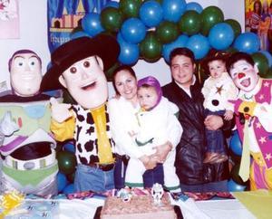 El pequeño Jesús Enrique Pérez Soto celebró en días pasados su tercer cumpleaños con una divertida fiesta organizada por sus padres
