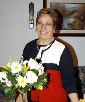 María Estela Mesta Acosta festejó su cumpleaos con un convivio que le ofrecieron su esposo  y hijos.