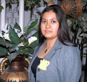 María de la Luz Rivera, captada en la despedida de soltera que le ofrecieron.