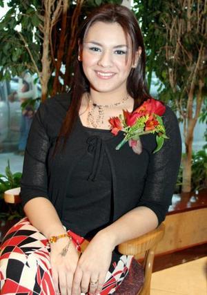 <u> 28 de enero </u> Señorita Esperanza Soto Alonzo durante su despedida de soltera realizada en días pasados.