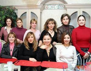 <u> 27 de enero </u> <p> Lorena de la Garza en su fiesta de cumpleaños acompañada por Alejandra, Mónica, Angelina, María Teresa, Alejandra, Cecilia, Jaqueline, Perla, Yadira, Mónica y Malula.