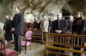 Esta es la sexta visita que realiza Felipe de Borbón al Santuario de Covadonga, escenario de su proclamación como Príncipe de Asturias en 1977, cargo que ostenta el heredero de la Corona española.
