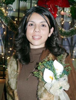 Verónica Araceli Ortega Chávez contraerá matrimonio con el señor Carlos Javier de la Cruz Santellano en próximas fechas, por lo que  fue agasajada con una fiesta pre nupcial.