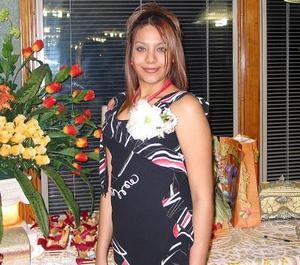 María Eugenia Medina Palacios captada en una de sus despedidas de soltera ofrecida con motivo de su próximo enlace nupcial con el señor Julio Padilla Ortiz.