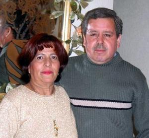 <u> 31 de enero </u> <p> Alicia Romero y José Martínez Ávila festejaron su 30 aniversario de matrimonio y por tal motivo fueron felicitados por sus familiares.