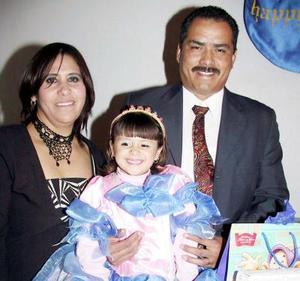 La pequeña Melissa Valenzuela Rentería celebró su sexto cumpleaños con una divertida reunión que le prepararon sus papás, Lucio Valenzuela y Manuela Rentería.