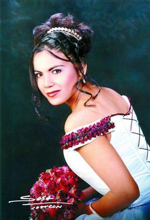 Srita. Lucía Ludivina Rivas Martínez celebró su décimo quinto aniversario de vida el 21 de diciembre de 2003.