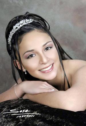 Srita. Tania Paulina Ortiz Alvarado celebró su décimo quinto aniversario de vida con una misa de acción de gracias el siete de marzo de 2004.