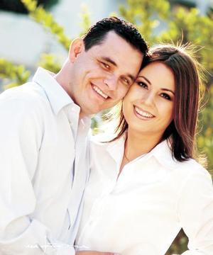 Alberto de la Rosa Montellano y Srita Julia Montoya Demerutis efectuaron su presentación religiosa en la iglesia del Niño Jesús de la Salud el seis de diciembre de 2003