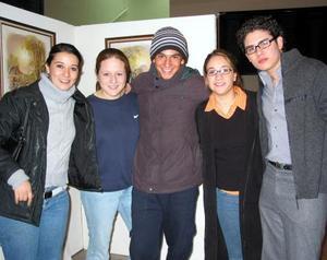 Martha Garza, Wera Martínez, Armando González, Carla Farías y Martín Nevárez.