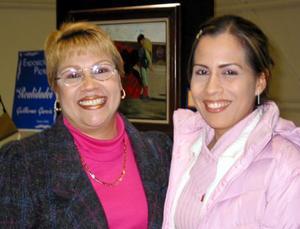 Mary Carmen Rodríguez y Érika Hernández.