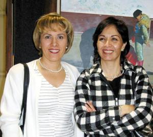 Rosario Ochoa y Alejandra García.