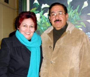 Vicky de Anaya y Manuel Anaya Boone.