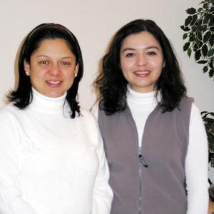 <u><b>01 de febrero </u></b><p> María Teresa Alcázar Woo y Alicia Salgado captadas en pasado festejo social.