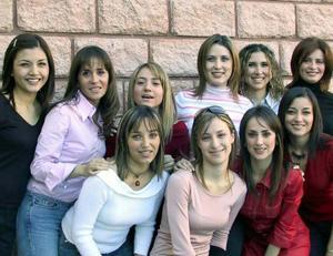 Karla, Emma, Alicia, Martha, Mónica, Elizabeth, Alejandra, Nancy, Verónica y Mary en pasado aconteciemitno social.