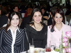 Paola Ramos de Gallegos, Sofía Papadópulos de Mijares y Rocío Jacamán de Murra.