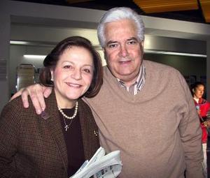 Heriberto Ramos Salas e Isabel Cobo de Ramos viajaron a la Ciudad de México.