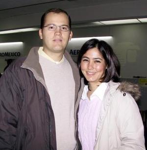 <u><b>04 de febrero</u></b><p> A Carolina del Norte viajó Gabriela Fernández y fue despedida por Antonio del Río.