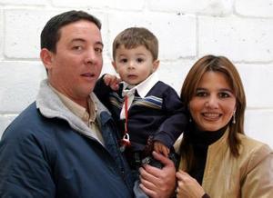 Mauricio de la Garza festejó su segundo cumpleaños con un divertido convivio organizado por sus papás.