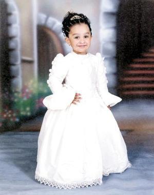 <u><b>01 de febrero</u></b><p>  Niña María Fernanda González Garibay celebró sus tres años de vida el 29 de enero de 2004; es hija de los señores Ing. Daniel González Reyes y Q.F.B. Sandra Elia Garibay de González