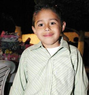 Carlos Humberto Morillón Silva captado en un convivio infantil.