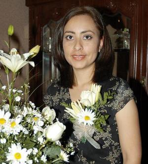 Jenny Silos Aguilera fue despedida de su soltería en días pasados con motivo de su próximo enlace nupcial.