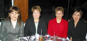 Alejadra de De la Rosa, Carolina de Rodríguez, Chata de Romero y Mirna Gamiochipi en pasado acontecimiento social